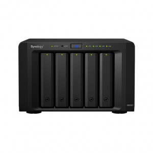 NAS Synology Tower DS1517 10TB (5 x 2TB) assemblato con HDD Enterprise